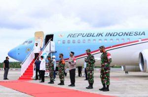 Danlantamal IV Sambut Presiden di Bandara RHF Tanjungpinang