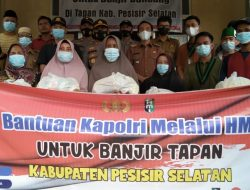 Kapolri Bantu Banjir Bandang  2.000 Paket Sembako Kecamatan Ranah Ampe Hulu Tapan