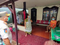 Wali Kota Bekasi terjun langsung ke rumah warga yang terpapar Covid-19