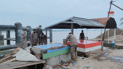 Ratusan PKL Pasar Kalangan Bawah Jembatan Musi II Ditertibkan