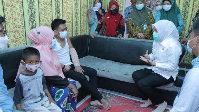 Wakil Walikota Palembang Bantu Korban Kecelakaan Kerja Yang Ditelantarkan Oleh Perusahaanya