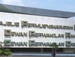 Wakil Ketua DPR RI Meminta Pihak Polri Tindak Tegas Dan Beri Efek Jera Kepada Para Usahawan Pinjol Ilegal.