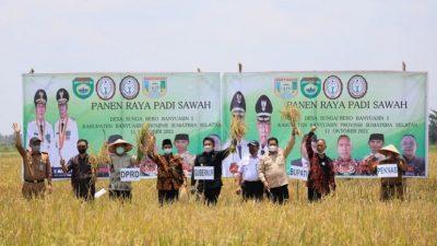 DPP Peknas Anugerahi HD Sebagai Tokoh Tani Nasional